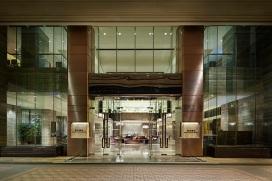 royal-plaza-hotel-entree2