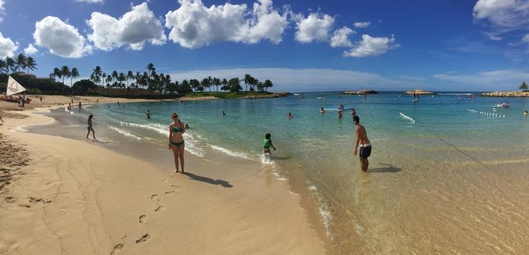 La plage d'Aulani: une belle eau mais peu de vagues