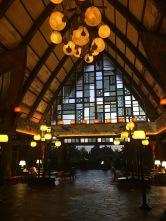 Le lobby très chaleureux de l'hôtel