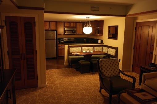 La salle à manger et la cuisine