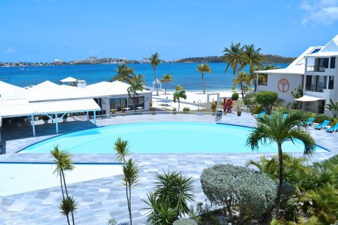 mercure-saint-martin-marina-pool-002