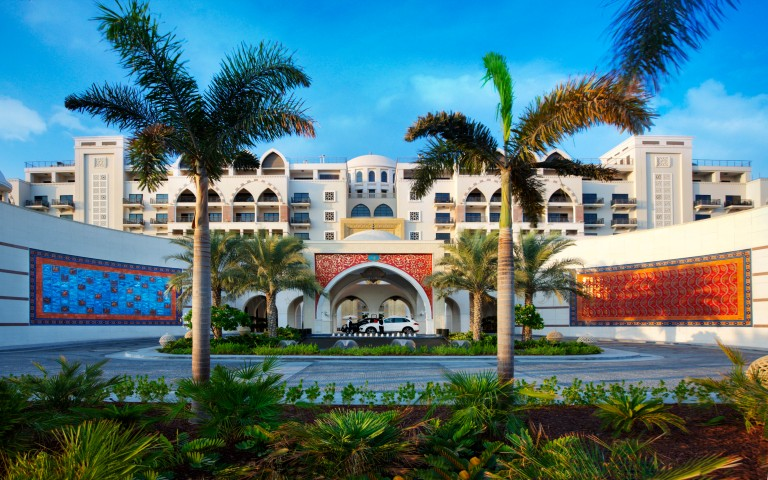 Jumeirah_Zabeel_Saray_-_Hotel_Exterior_-_Front_Entrance